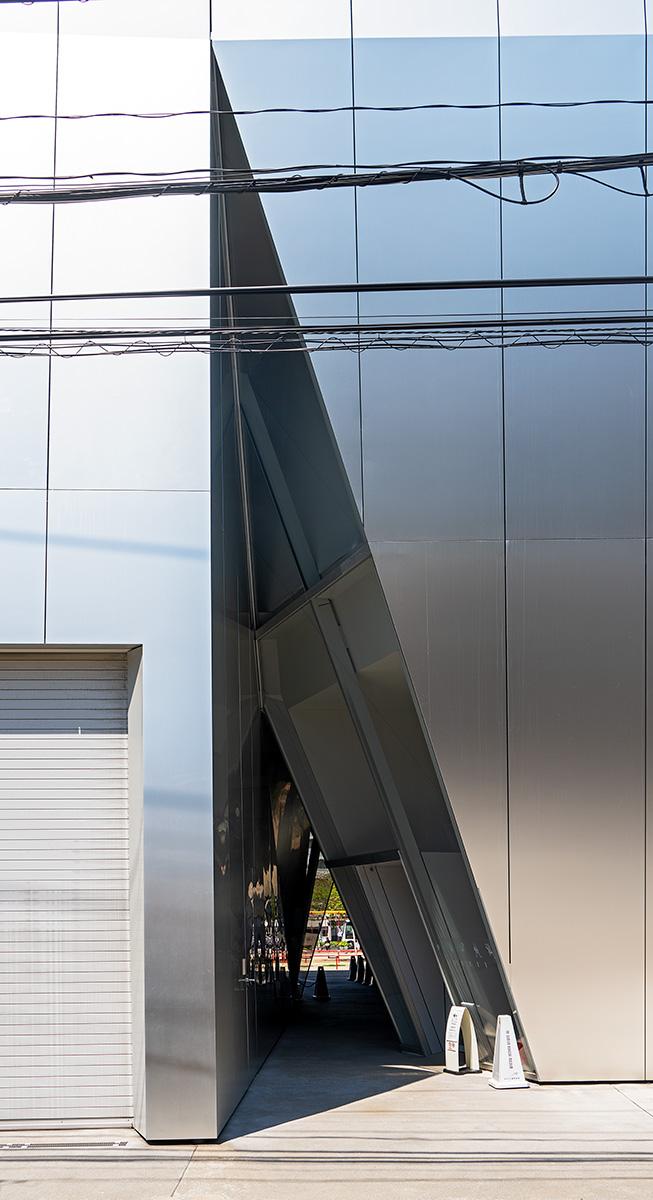 Dreieckiger Eingangsbereich ins Museum