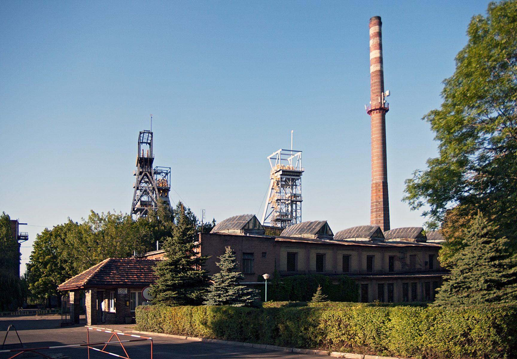 Schornstein und Kohle-Fördertütme