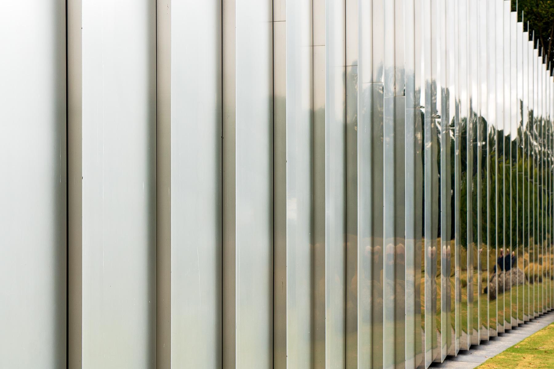 Spiegelnde Paneele am Raleigh Art Museum