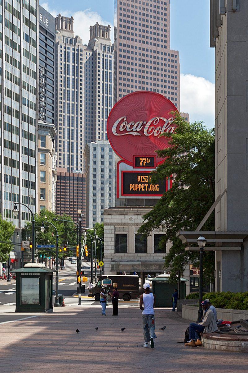 Coca-Cola Reklame in der Stadt