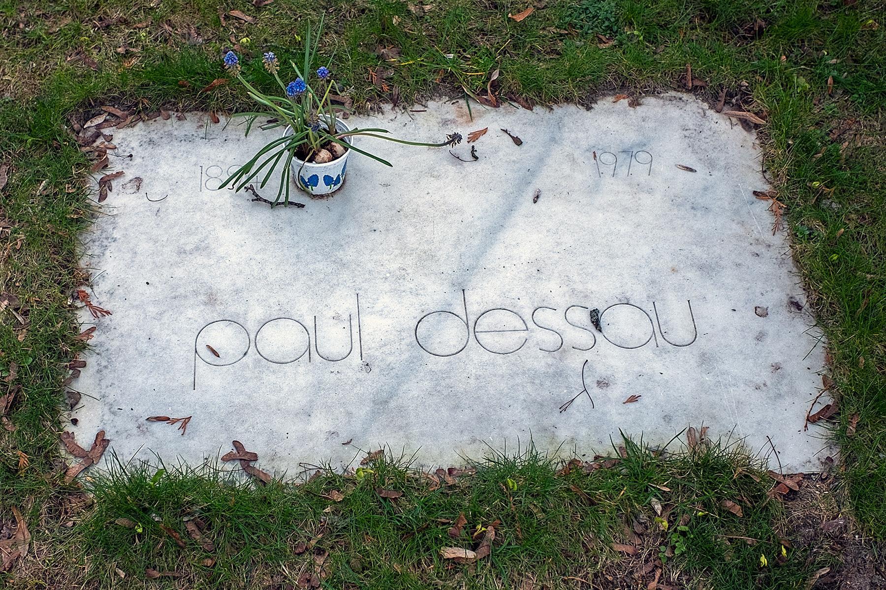 Das Grab von Paul Dessau im Beitrag Berlin: Gestorbene DDR